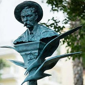 IN SORRENTO WAS UNVEILED A MONUMENT TO MAXIM GORKY BY ALEXANDER RUKAVISHNIKOV